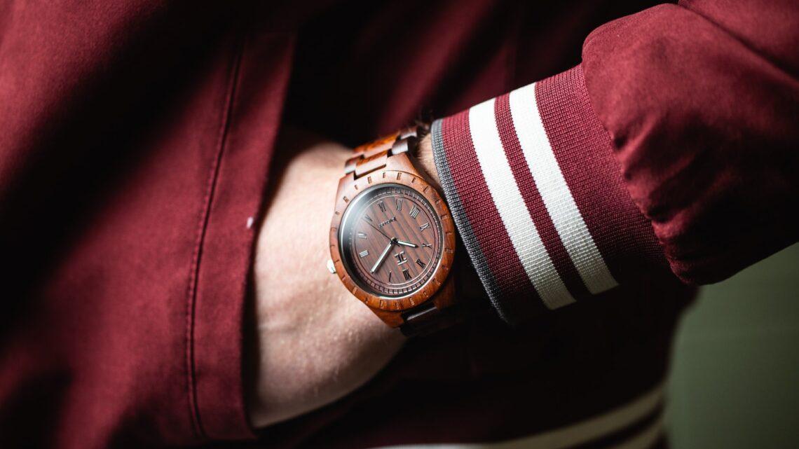 La montre en bois: un accessoire d'homme?